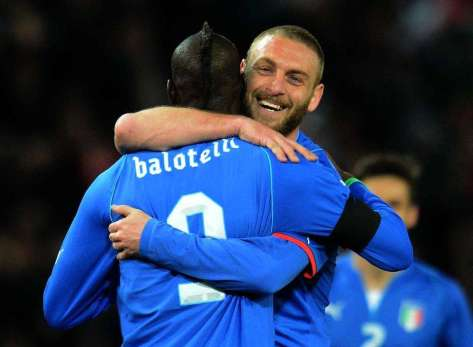 Balotelli-and-De-Rossi-Italy