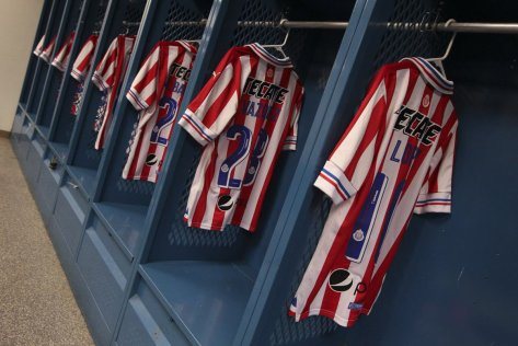 chivas-special-110-years-kit-2